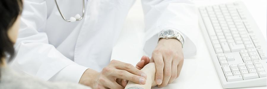 医師による触診